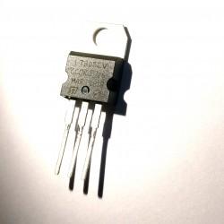 L7805 5V Voltage Regulator IC